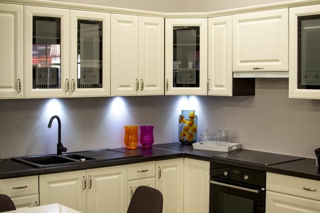 barvne kuhinje