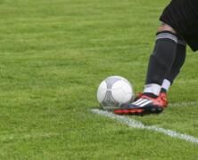 Nogomet se često povezuje s unosnim ugovorima igrača